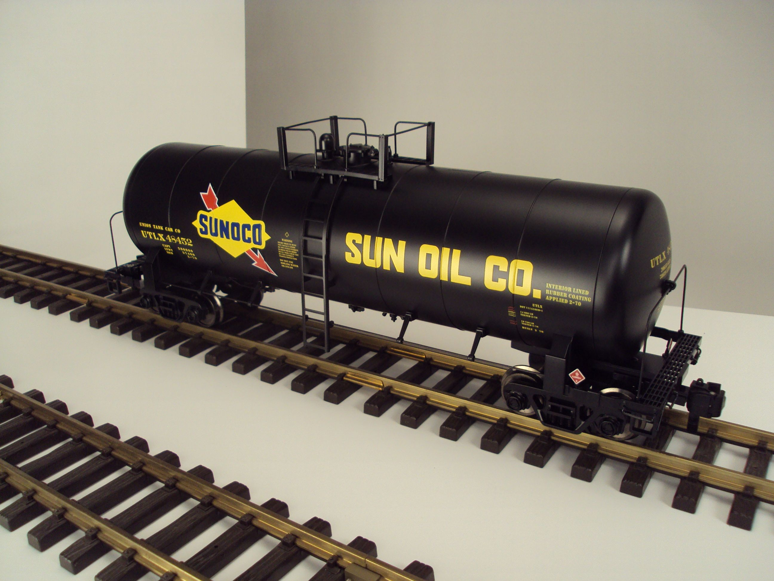 MTH RailKing One Gauge (G Gauge) Sunoco Unibody Tank Car