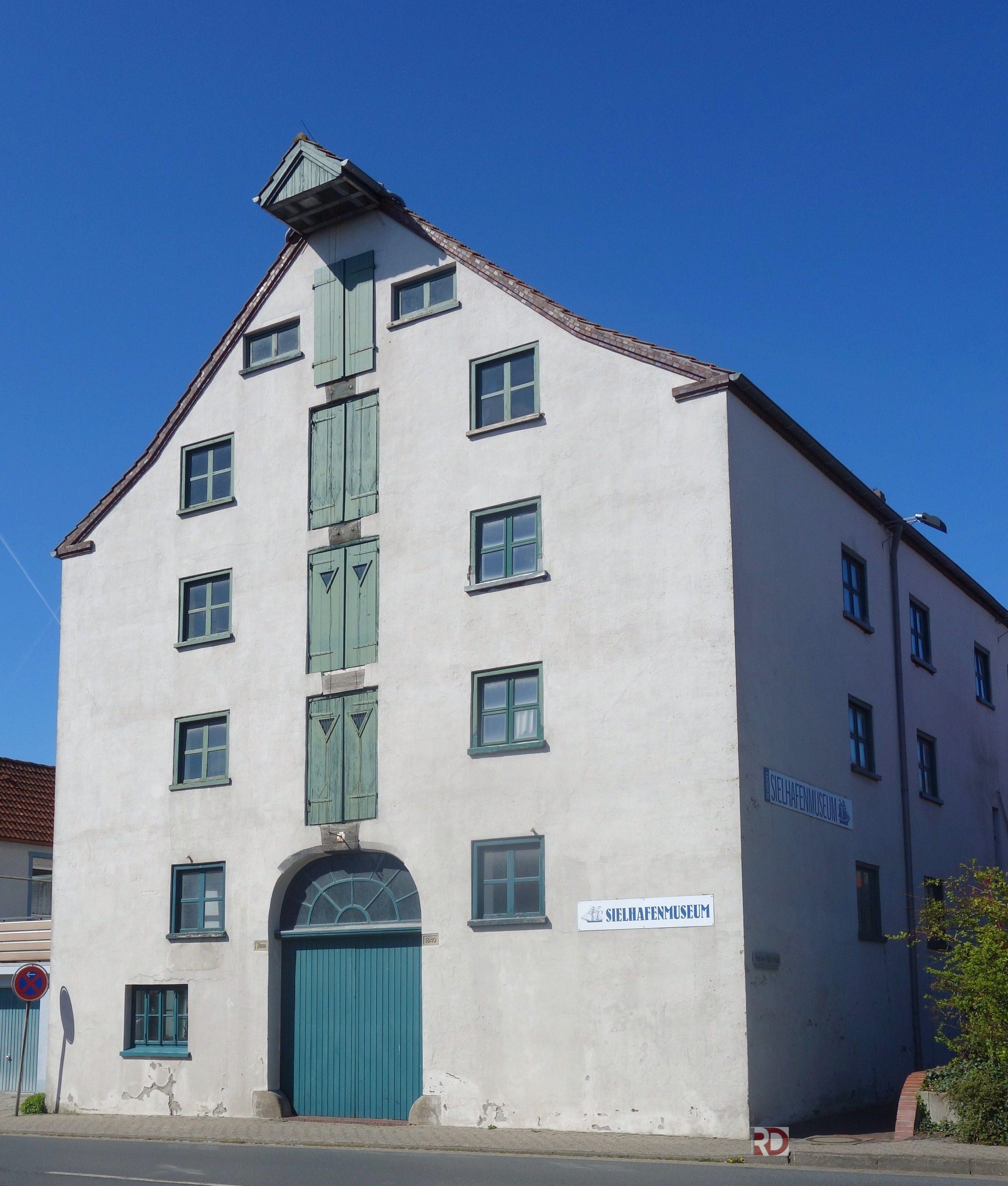 Nordseebad Carolinensiel Eines Der Museumsgebaude Rund Um Den