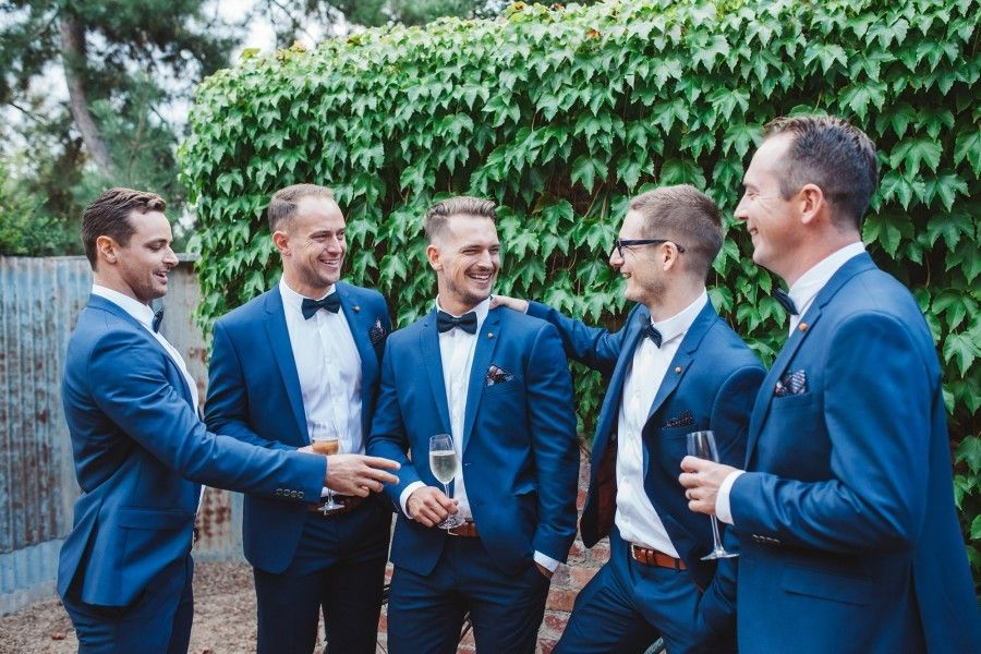 What's the average cost of a wedding photographer in 2018