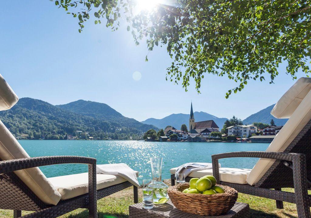 All Balance Spa Beach Mit Traumhaften Blick Auf Den Tegernsee C Althoff Seehotel Uberfahrt Hotel Reisen Urlaub