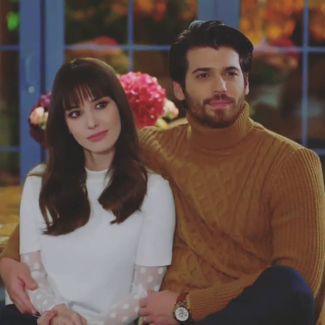 Ozge Gurel as Nazli and Can Yaman as Ferit in the Turkish TV series