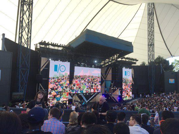 En directo desde la Google I/O 2016     Sigue el streaming en directo y en vídeo de la conferencia de desarrolladores de Google.  Todo está ya listo para que Google nos deleite con una de sus conferencias más importantes del año la Google I/O 2016 cuyo evento de apertura correrá a cargo de Sundar Pichai -por si no lo sabías este año por primera vez subirá al escenario como CEO de la empresa. La que se cuenta ya como la décima conferencia de desarrolladores de Google tendrá lugar en el…