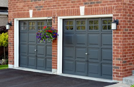 Pin By Shawna O Brien On Garage Carriage Doors Red Brick House Orange Brick Houses Red Brick House Exterior