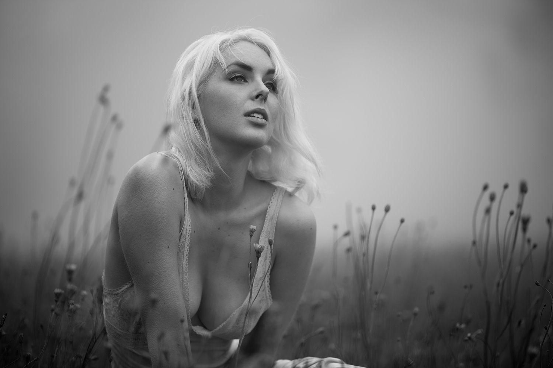 Nicole Melrose Nude Photos 13