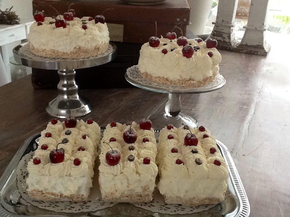 Taarten brooddeeg decoratie gebak taart en koekjes for Decoratie nep snoep