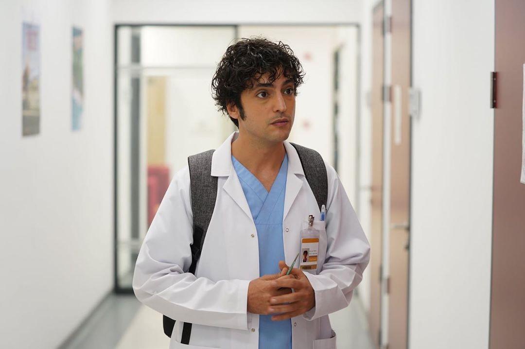 شخصية علي وفاء من الطبيب المعجزة تظهر في مسلسل المرأة Doctors Series Doctor Miracles