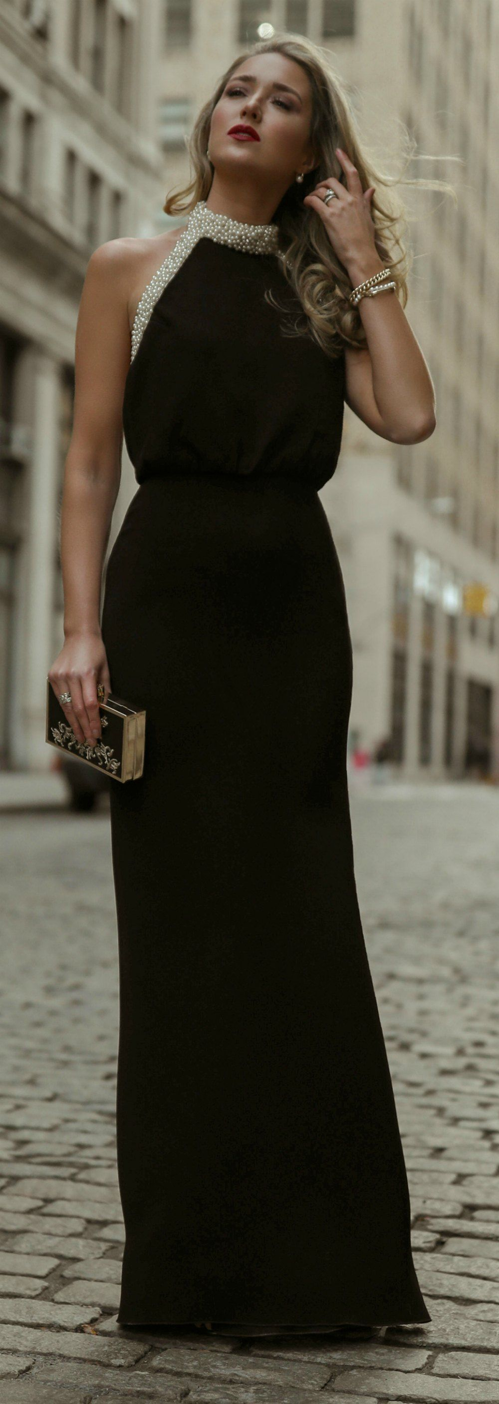 Day 17 Corporate Charity Black Backless Gown With A Glamorous Pearl Encrusted Halter Neck Black Gold Clutch Purse Gold Fashion Dresses Fashion Outfits [ 2810 x 1000 Pixel ]