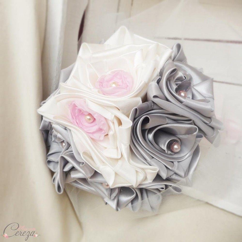 un bouquet de mariée original lumineux, chic et sobre pour un joli