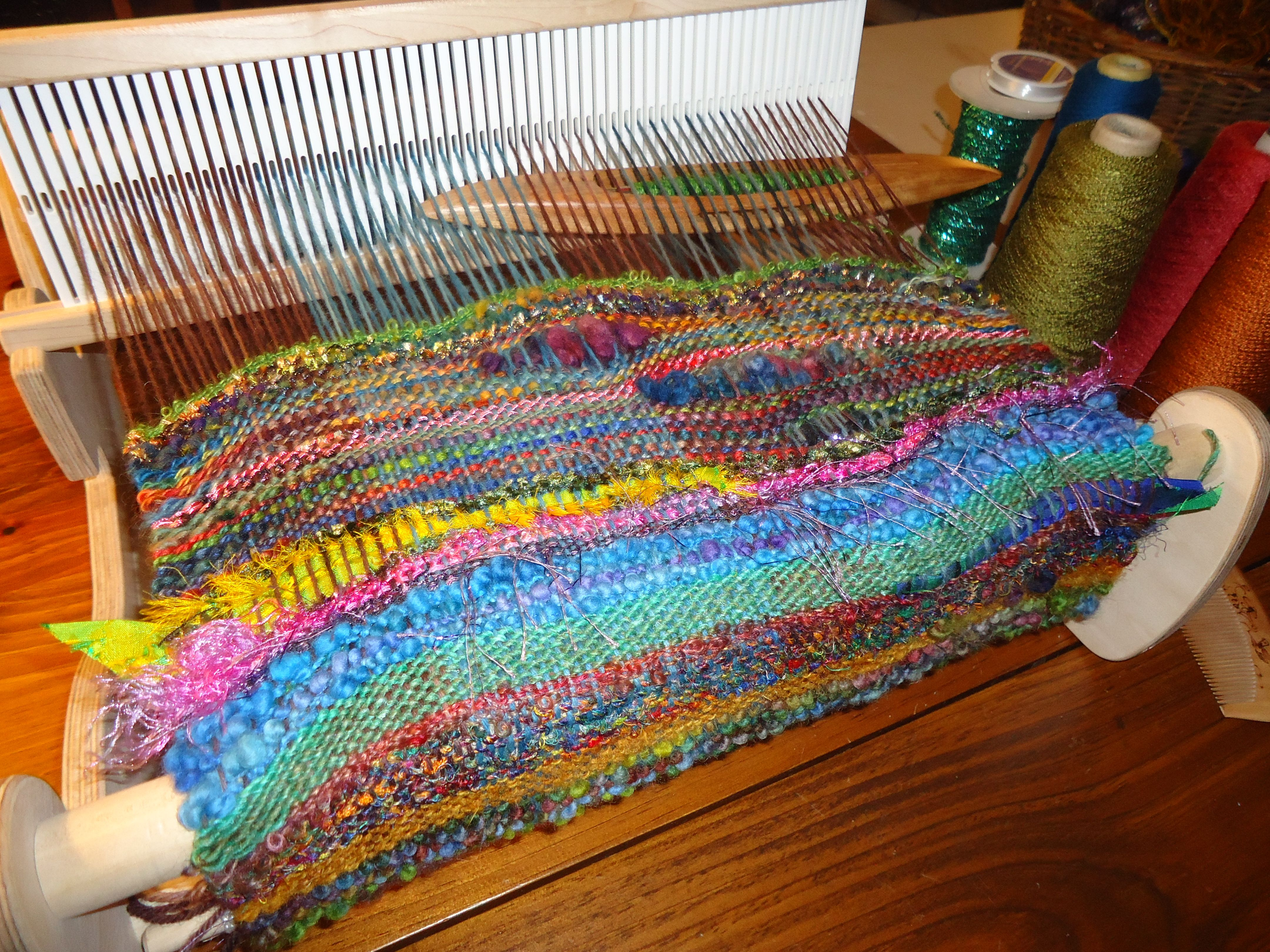 Saori Weaving On The Cricket Loom Plain Weave Using A Comb Instead Of The Beater To Make Waves Saori Weaving Rigid Heddle Weaving Loom Weaving