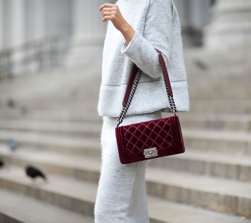 6784d90f1e55 This maroon CoCo Chanel handbag is to die for | Bags | Fashion, Bags ...