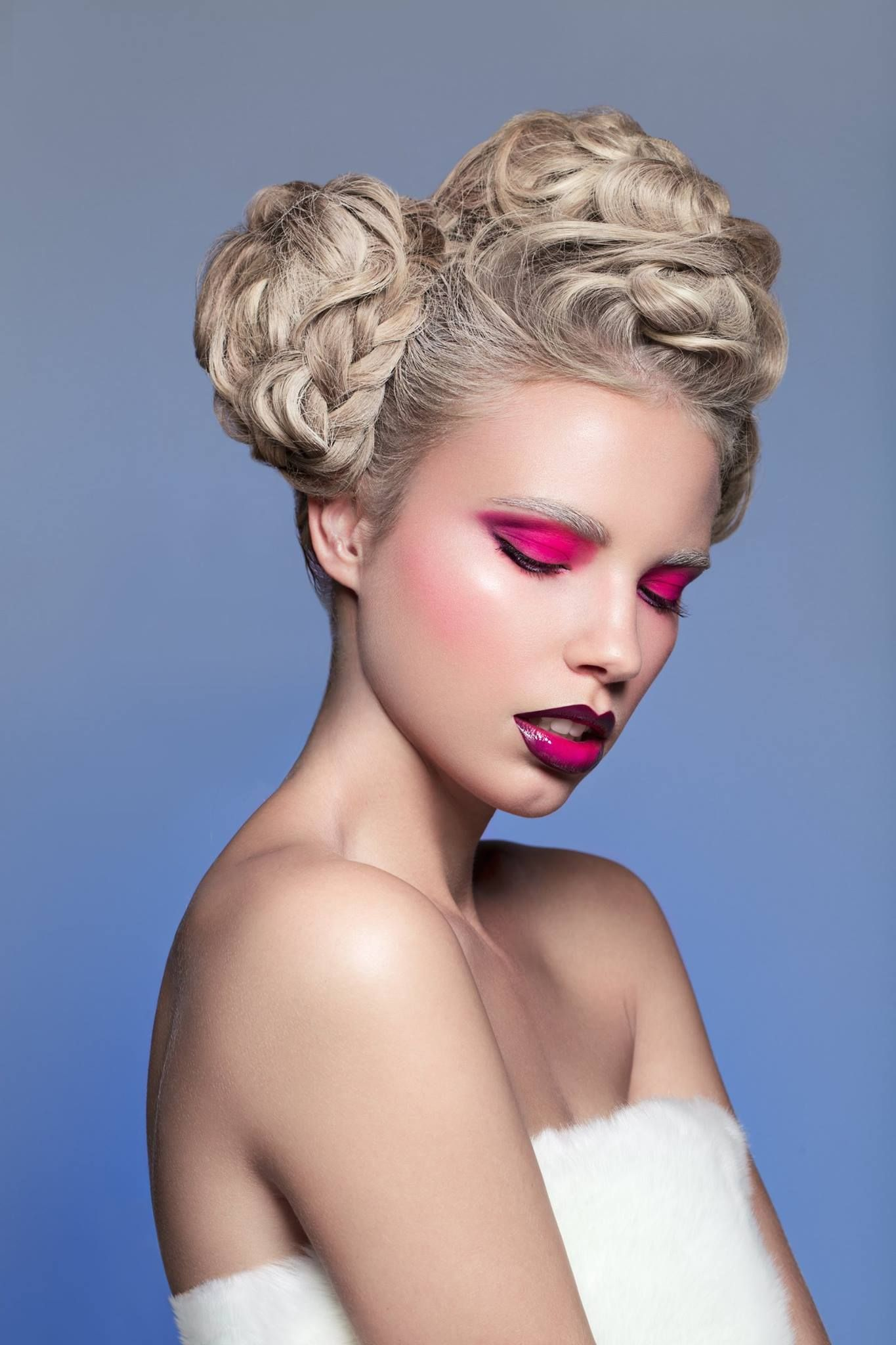 to our world of Beauty ! ApresVous is a team of