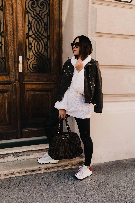 0f854cbb9c enthält unbeauftragte Werbung. Outfit mit schwarzer Lederhose, outfit mit  Lederhose, outfit mit schwarzer leggins, schwarze Lederhose kombinieren, ...