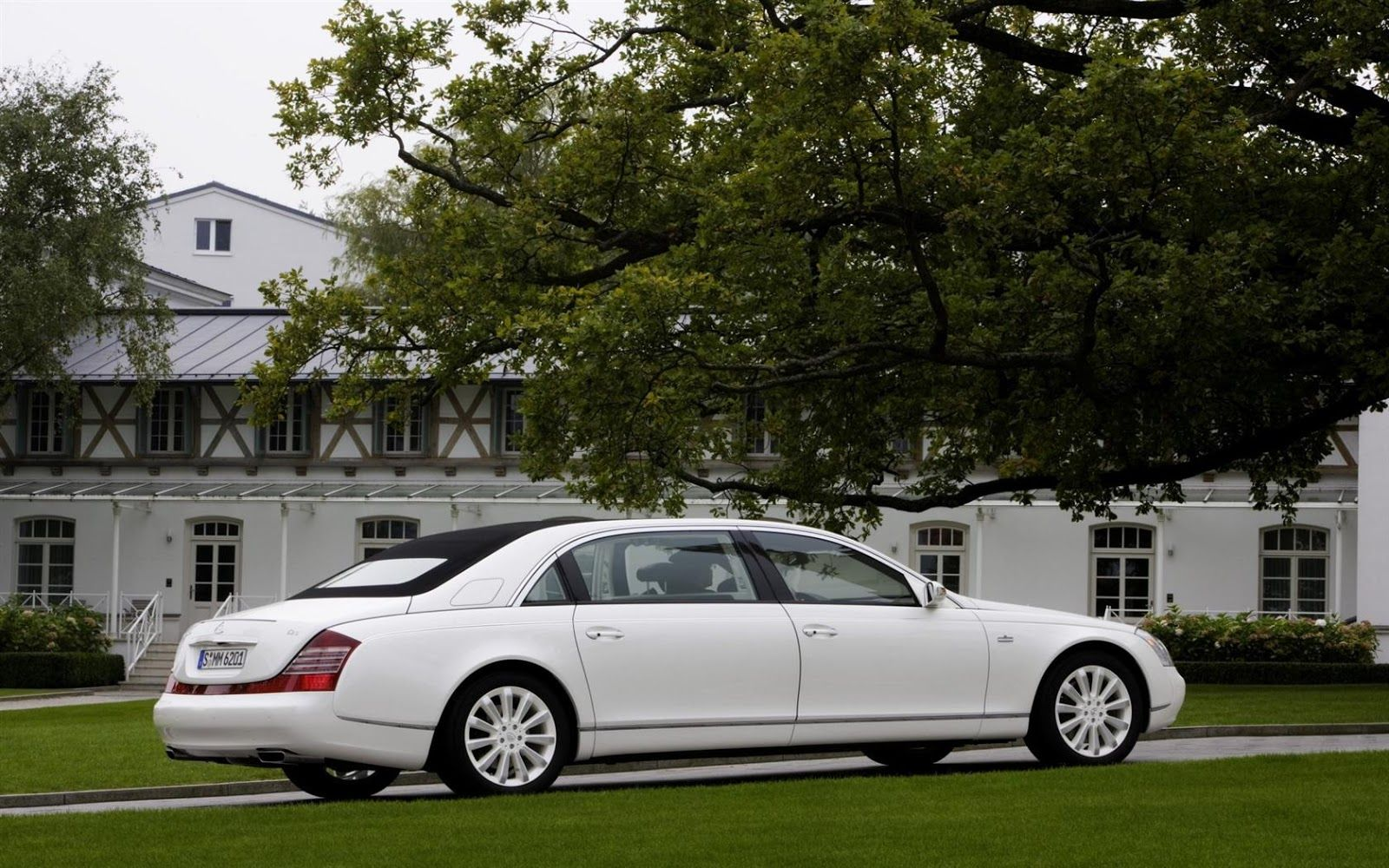 Passion For Luxury Top 10 Most Expensive Cars In The World 2013 Maybach Expensive Car Brands Mercedes Maybach