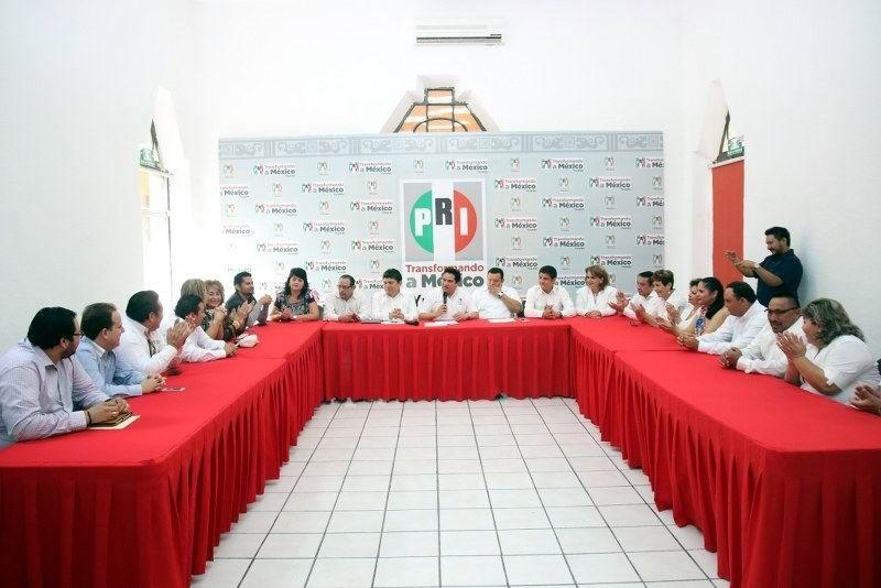 Entregan Constancia a candidatos a diputados locales del PRI