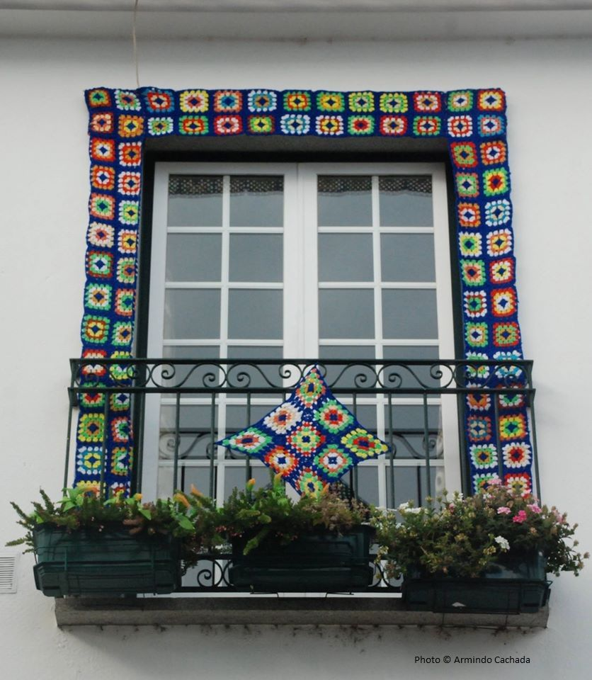 Vila Nova De Cerveira Is A Town Of The Arts This Endearing Town At The Alto Minho Region In Northern Portugal Is One Of The Most Porte Fenetre Fenetre Fleurs