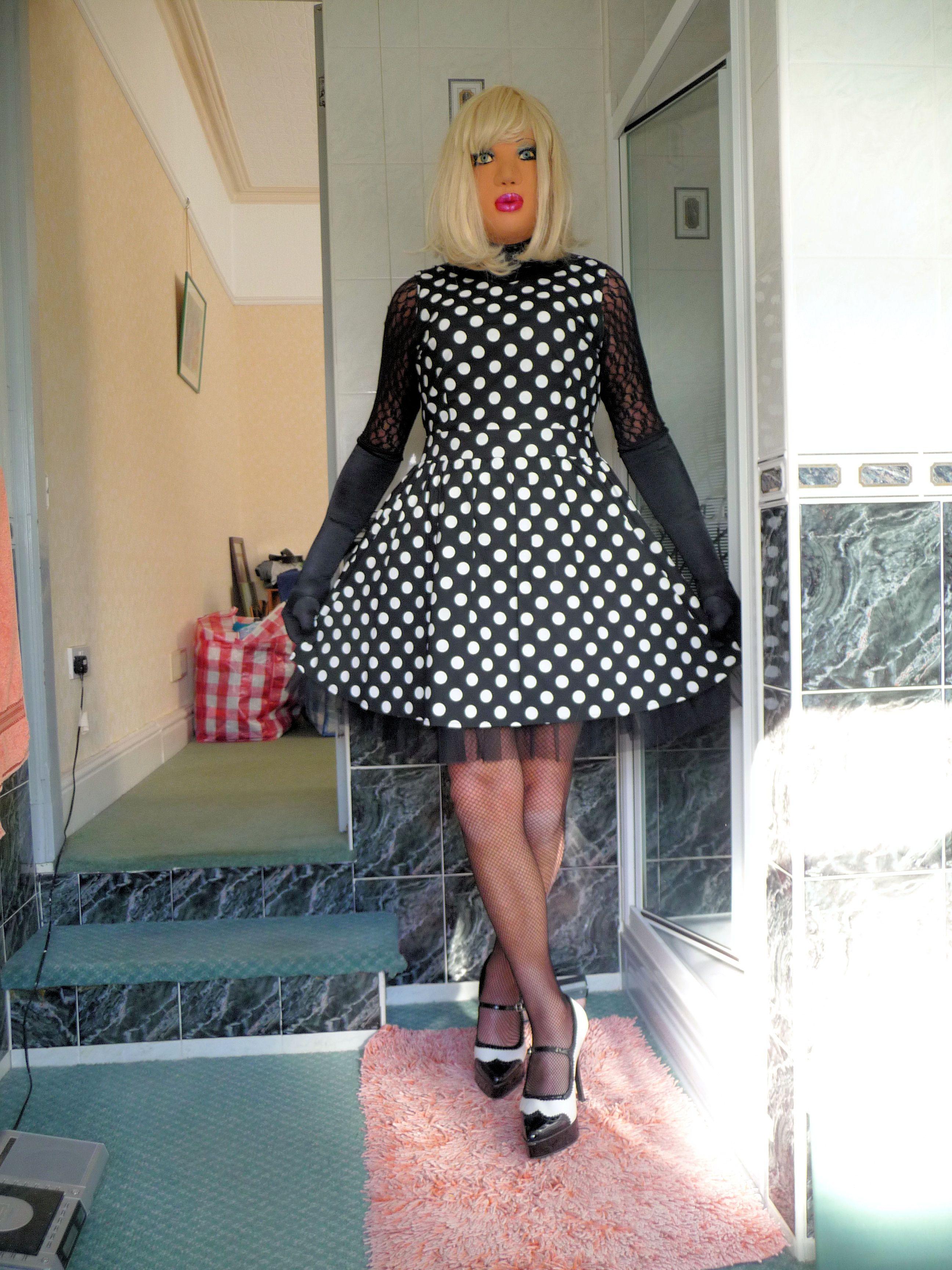 aff85d98cc28 Tania Sissy   Sissy transvestite   Polka dots, White polka dot dress ...