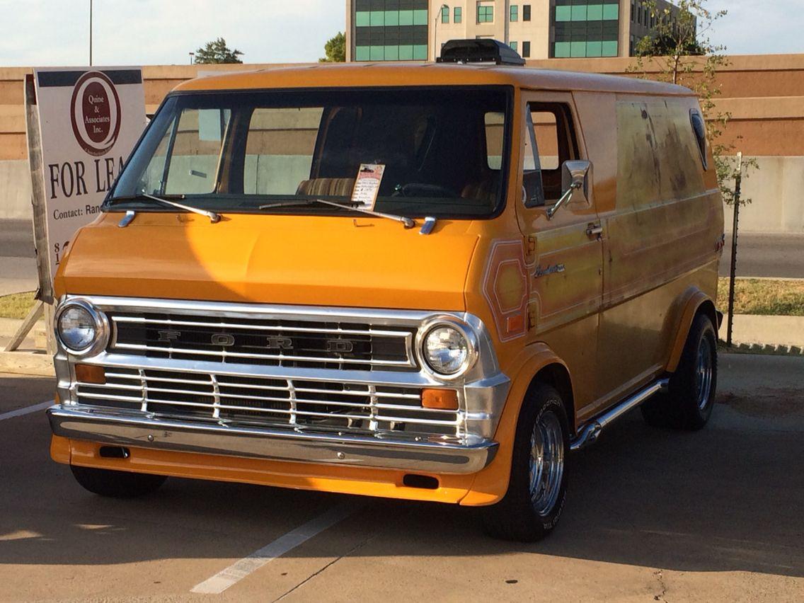 Custom 74 ford van