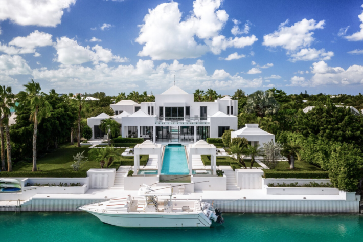 Top 33 Modern Day Castles You Can Buy In 2020 Jamesedition Com Luxury House Designs Mansions Luxury Caribbean Houses