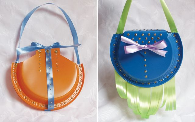 DIY Plastic Plate Purses for little girls party & Make Designer Purses from Recycled Plastic Plates (To Hold Treats ...