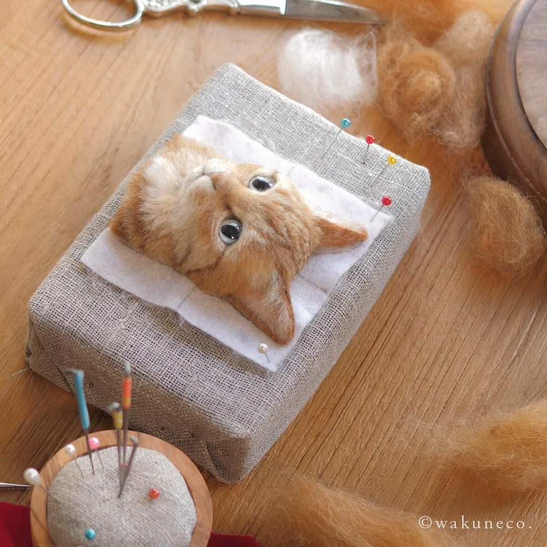 Stunningly Realistic Cats Crafted Out Of Felted Wool Art