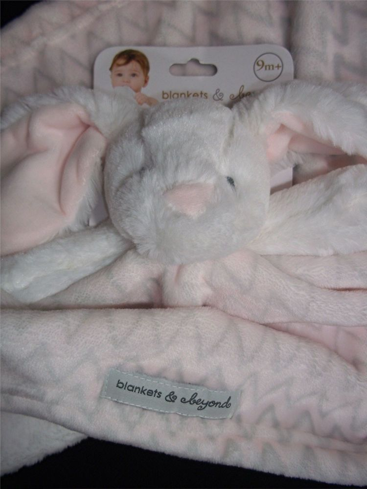 New Blankets & Beyond White Bunny Rabbit Pink Gray Zig Zag Baby Girl Blanket #BlanketsBeyond