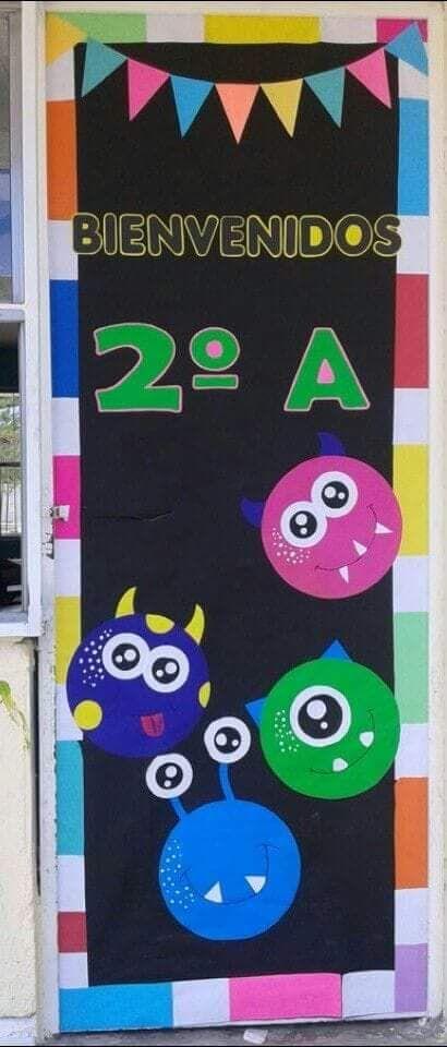 Pin by margarita pagoaga on aula puertas de escuela for Decoracion de puertas de salones