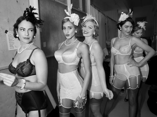 31c1e2d83 This Vintage Pin-Up Runway Show Is The Stuff Fashion Dreams Are Made ...