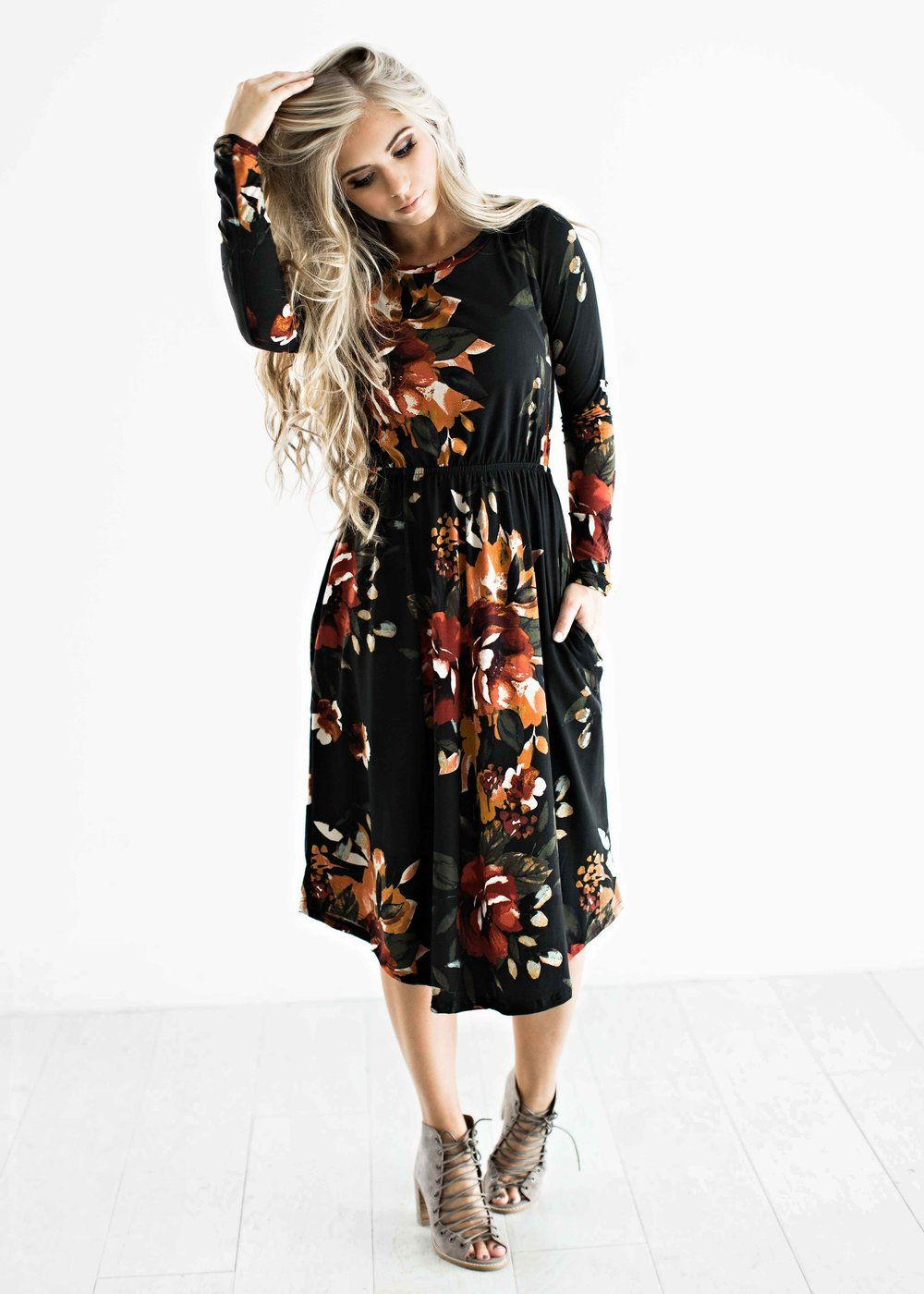 black floral dress, floral, fall floral, style, fashion, fall dresses, womens fashion, blonde hair, wavy hair