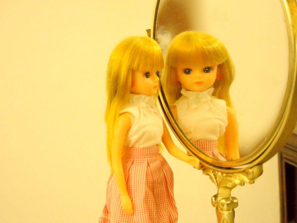 """あつあげさん on Twitter: """"""""試着室で思い出したら、本気の恋だと思う。"""" #リカちゃん https://t.co/IHRQikcn2W"""""""