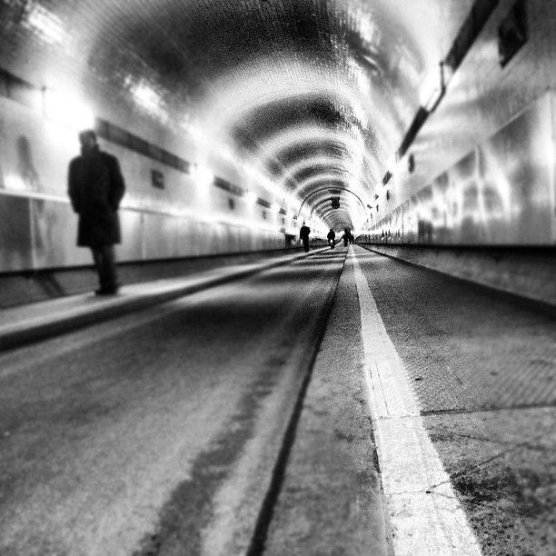 Elbe Tunnel, Hamburg