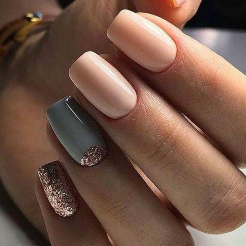 pretty winter nail design women