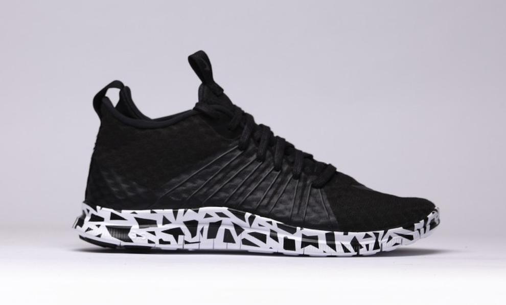 Nike Roshe Un - Femmes Noir  / Gris Clair  / Revêtement Blanc