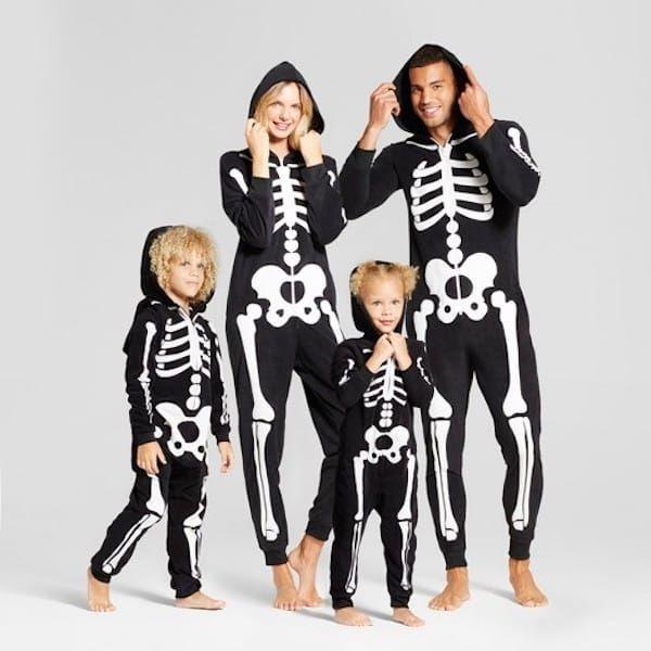 Skeleton Family Halloween Costumes.Skeleton Family Hooded Halloween Pajamas Halloween