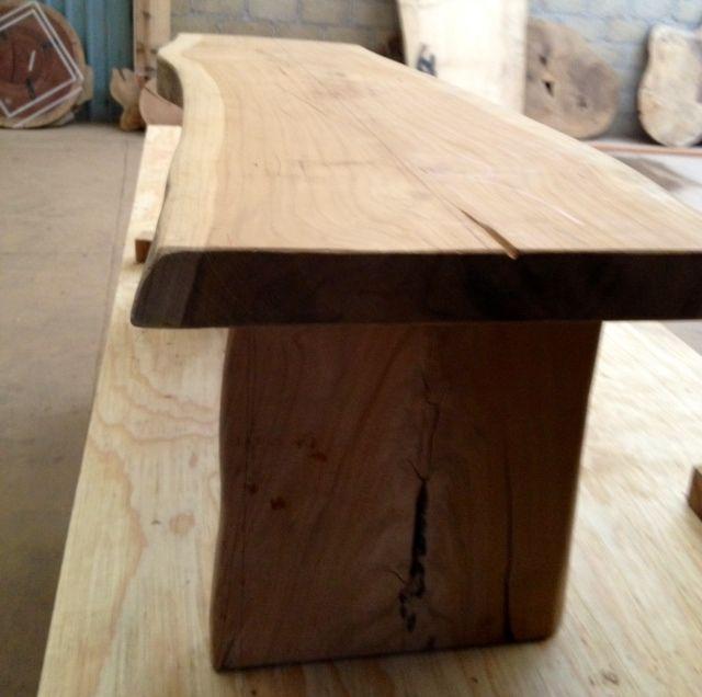 Mesa de Madera Recuperada lista para salir del taller de Serrucho  SERRUCHO COLLECTION  Wood table Dinning table y Interior design