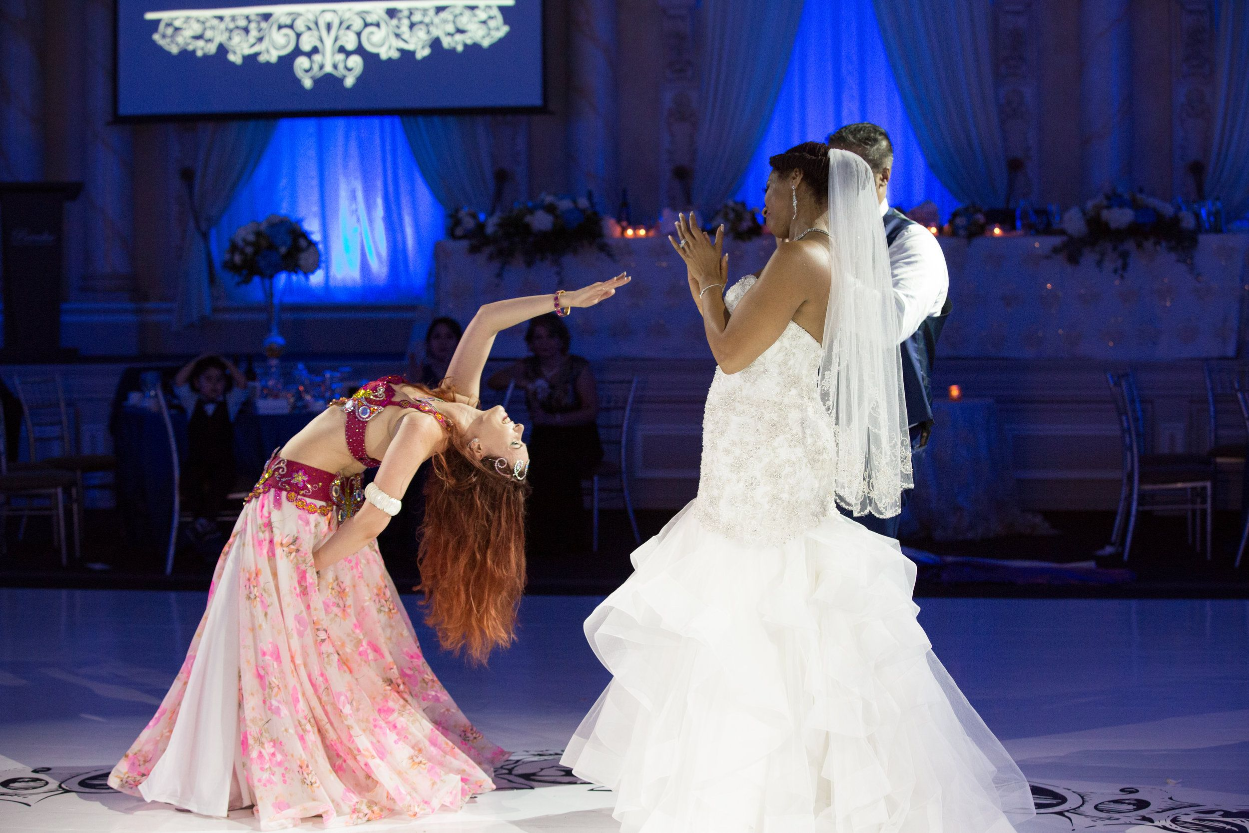 Belly Dance Performance At A Wedding Great Ideas For A Wedding Entertainment And Tips For Bride And Groom As Well A Wedding Entertainment Bride Belly Dancers