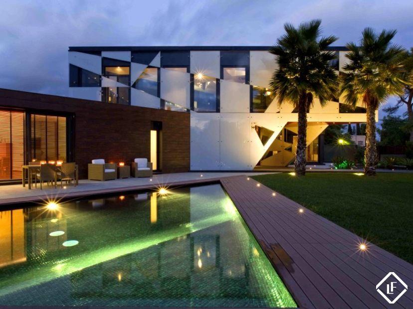 Gran casa de lujo en venta en sitges terramar dise o for Arquitectura de interiores a distancia