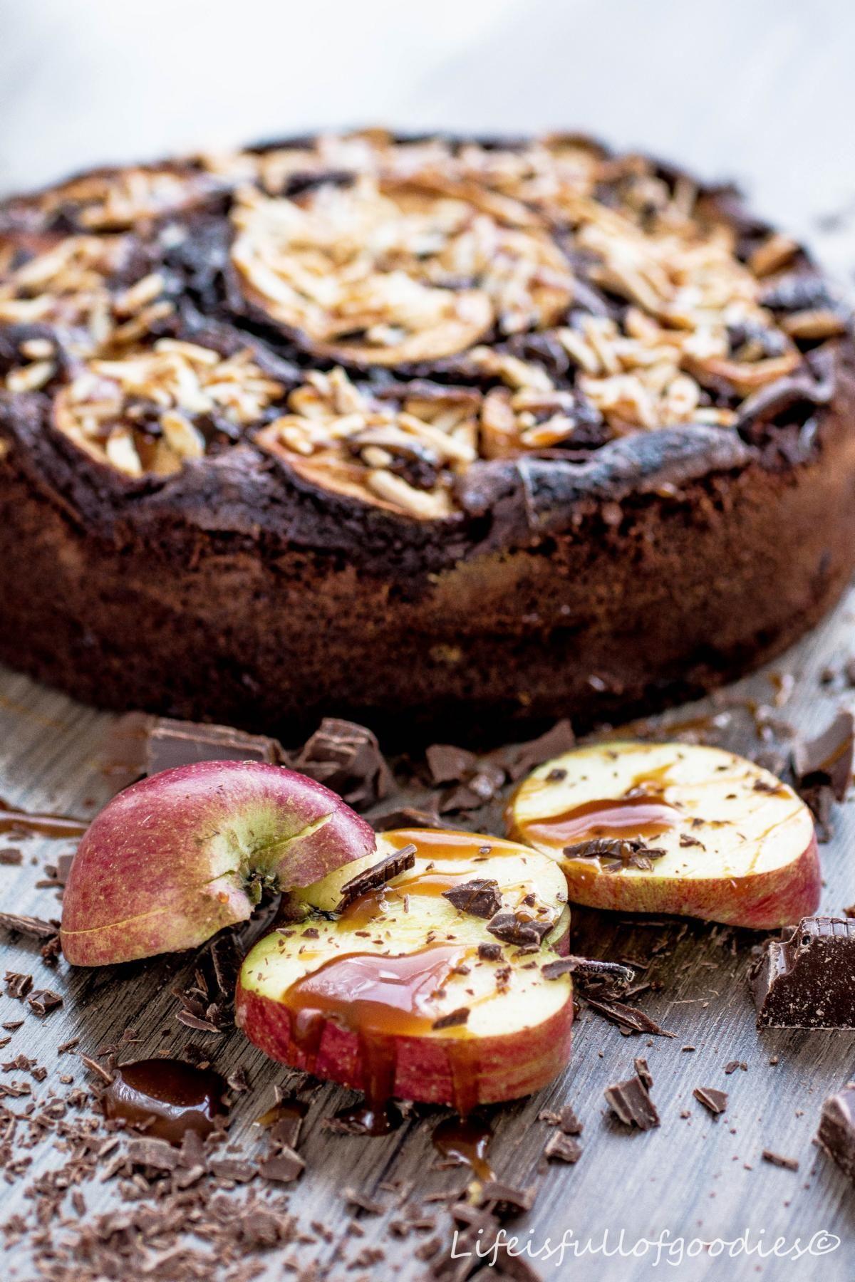 Schoko Apfelkuchen Mit Mandeln Und Karamell Rezept Apfelkuchen Mit Mandeln Kuchen Kuchen Und Torten Rezepte