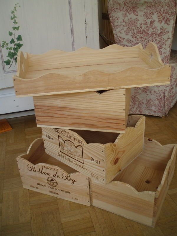 With Wine Boxes Add Some Painting And That S It Caisse A Vin Bricolage Et Loisirs Creatifs Cagette