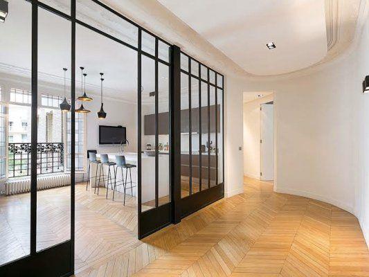 appartement haussmannien situ au trocad ro avec une. Black Bedroom Furniture Sets. Home Design Ideas