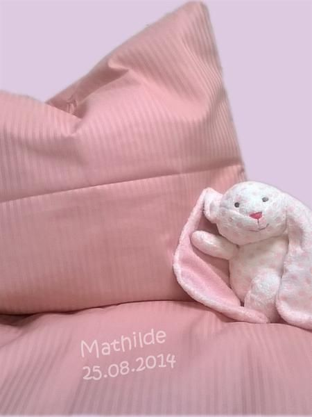 Baby bedding by name girl pink petitepeople baby bedding 2daab3afb00a8c05d0d97713625646eag negle Gallery