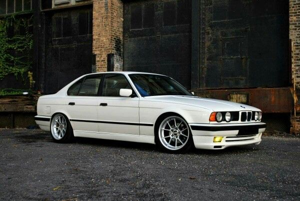 Bmw E34 5 Series White With Images Bmw E34 Bmw Bmw Classic Cars