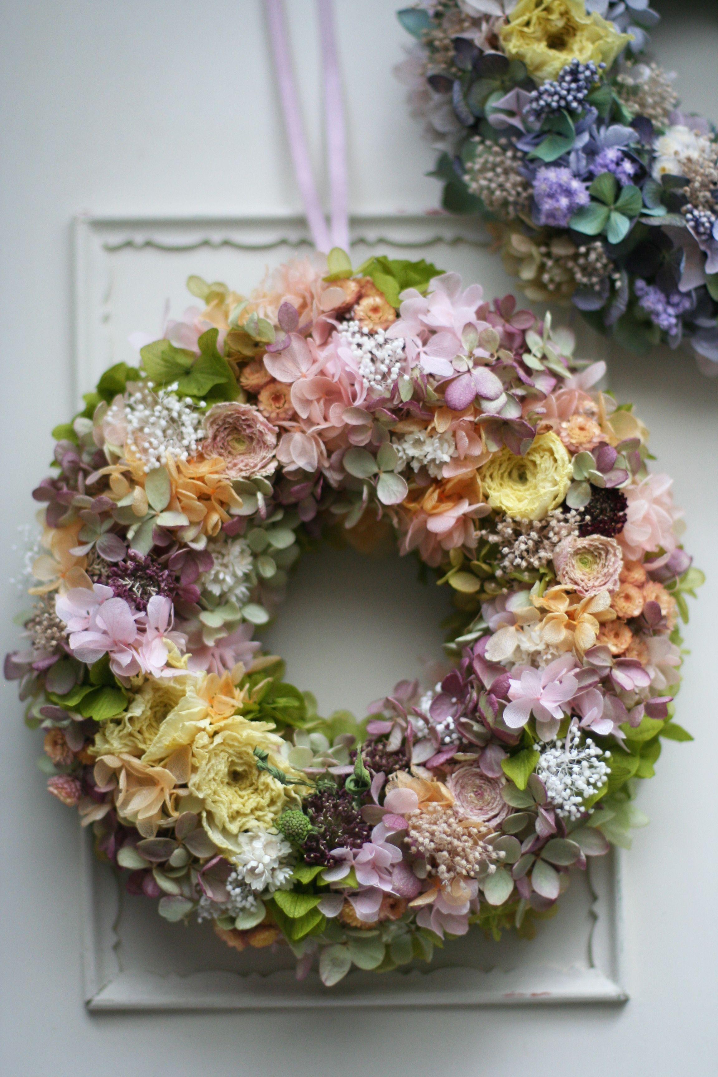 dried flower wreath hydrangea ranunculus baby 39 s breath. Black Bedroom Furniture Sets. Home Design Ideas