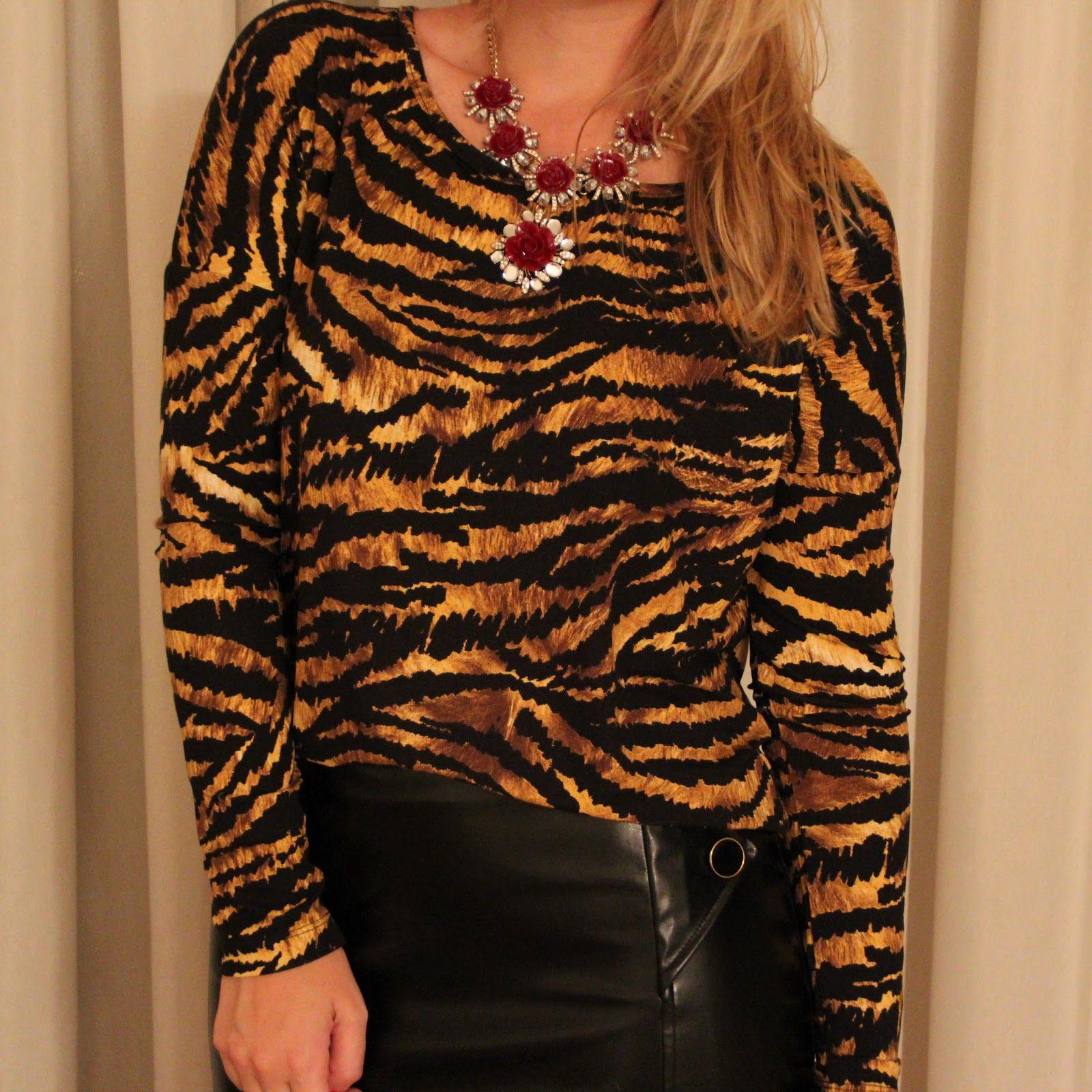 Detalhe da blusa basic tigre ♥