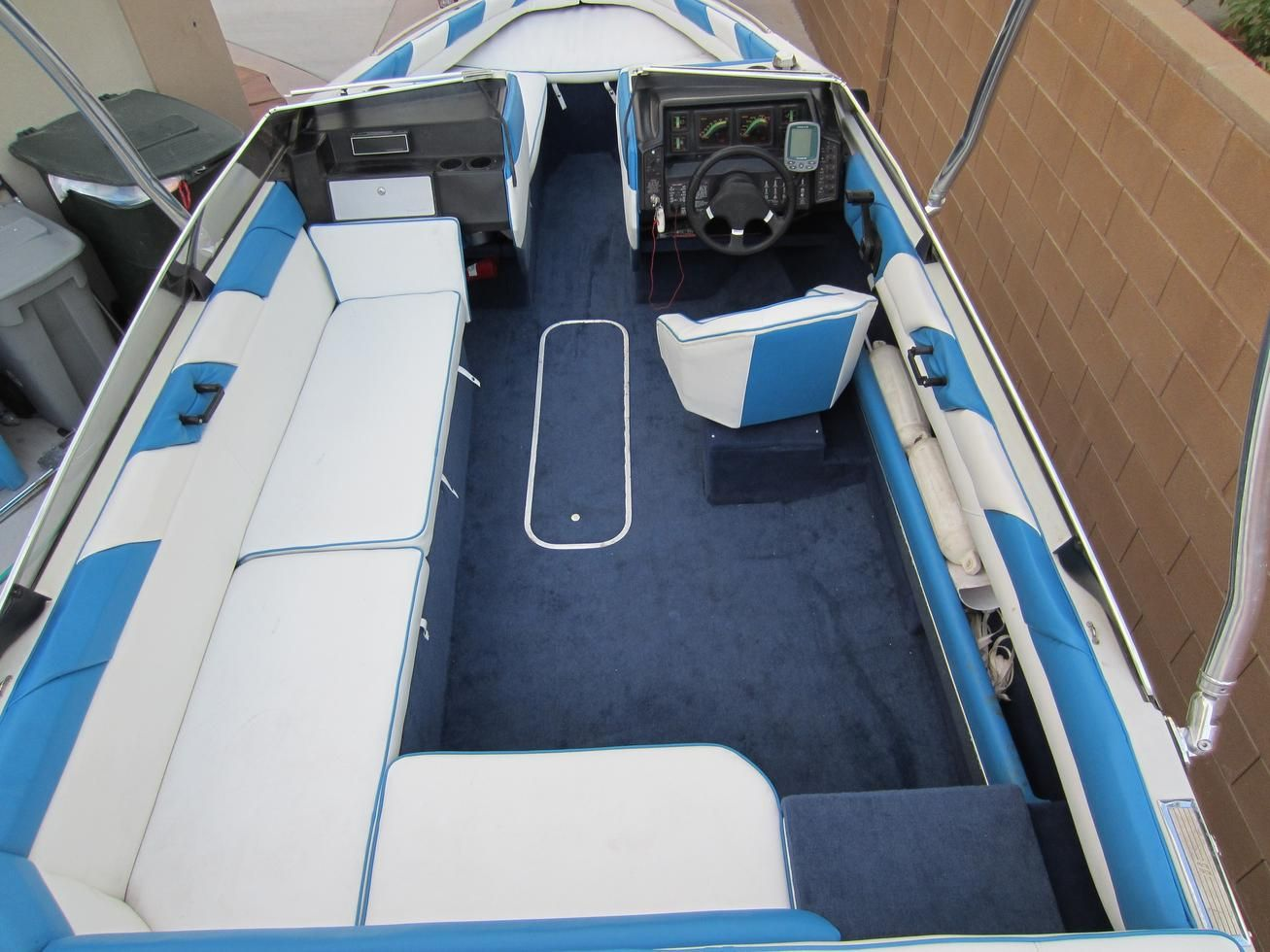 1989 bayliner capri with live well pics google search [ 1307 x 980 Pixel ]