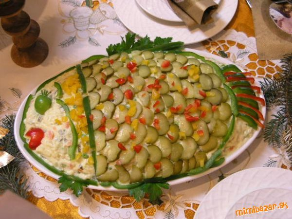 ozdobený zemiakový šalát