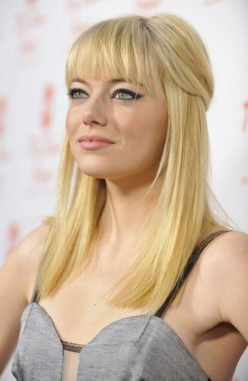 Emma Stone Debuts Blonde Hair Emma Stone Hair Blonde Hair Color