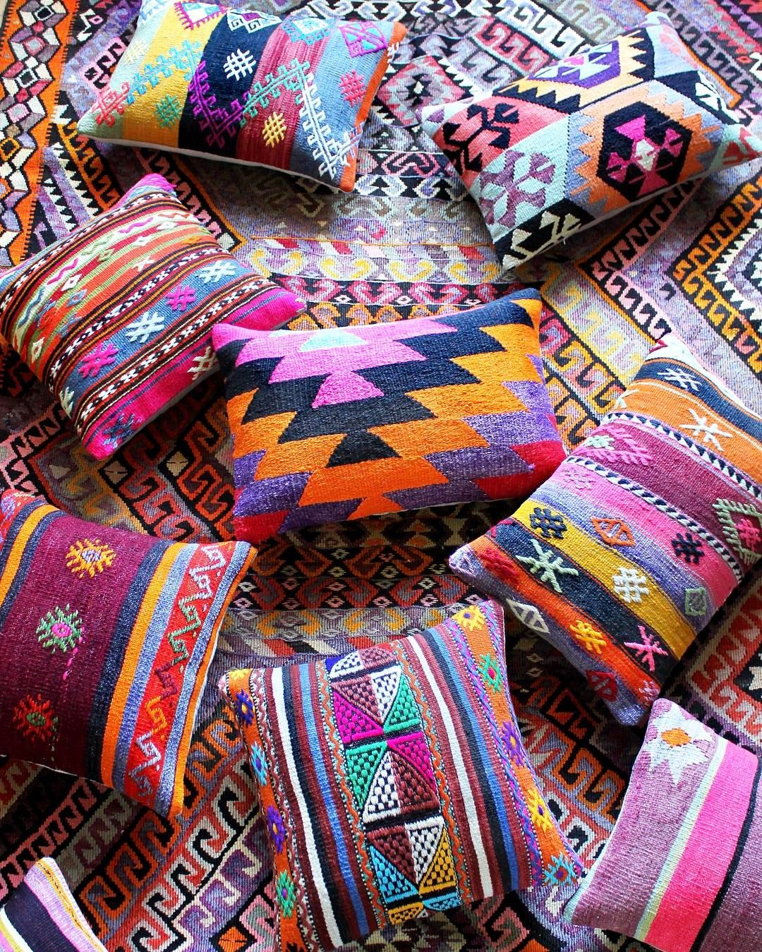 "1,926 Likes, 40 Comments - A L Y S E (@alysestudios) on Instagram: ""Color inspiration for your Friday! And, get ready... these one-of-a-kind, vintage kilim pillows…"""