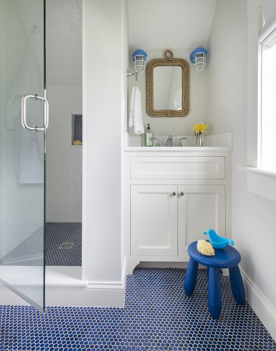 Blue An Dnavy Penny Tile Floor Is Ideal For A Nautical Bathroom