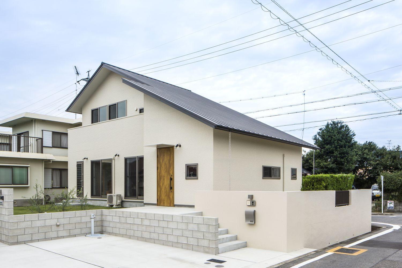 Case374 Large Roof ホームウェア 住宅 外観 住宅