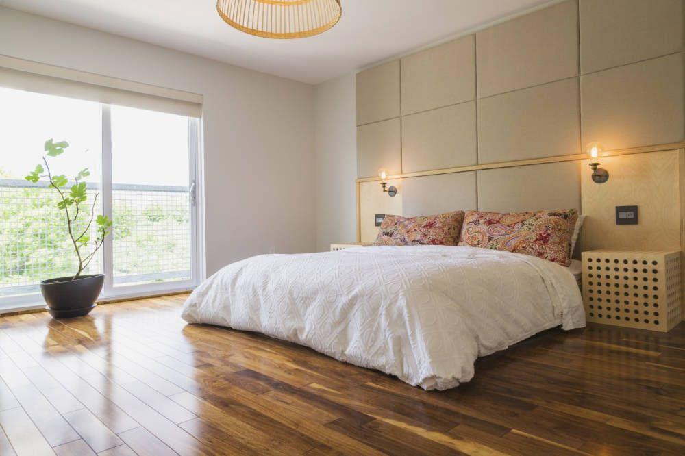 Spiegel im Schlafzimmer stören laut Feng Shui den Schlaf